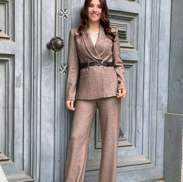 18 Outstanding Women's Suits 2021: All Trends and Novelties