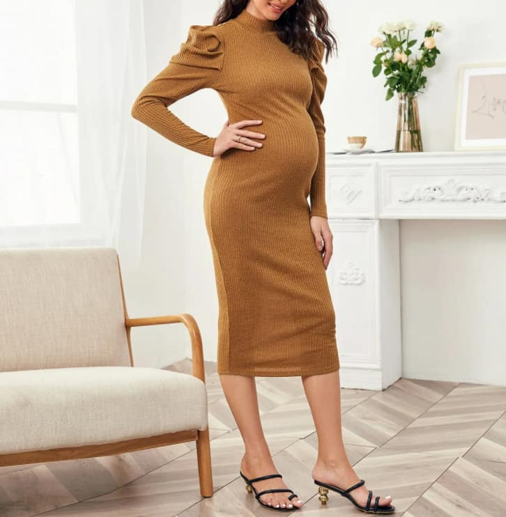 Maternity Fashion 2022: Knitted Dresses