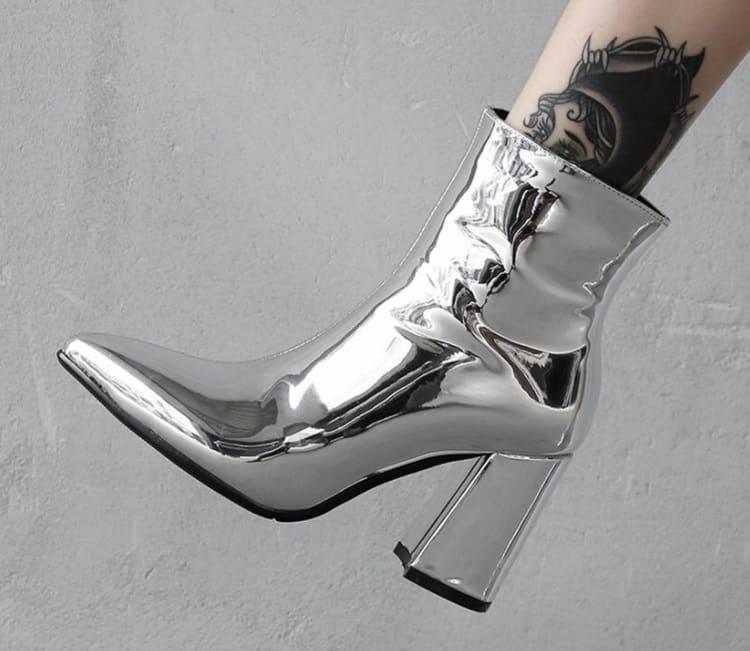 Metallic Boots 2022